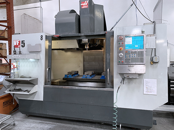 Used Vertical Machining Center Haas VF5 / 40 2012
